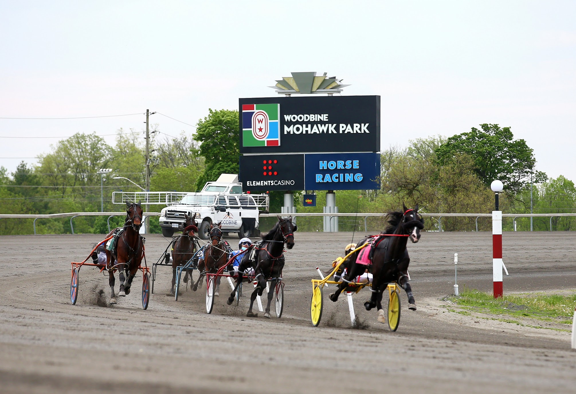 Provincewide Shutdown to Suspend Live Racing at Woodbine Mohawk Park